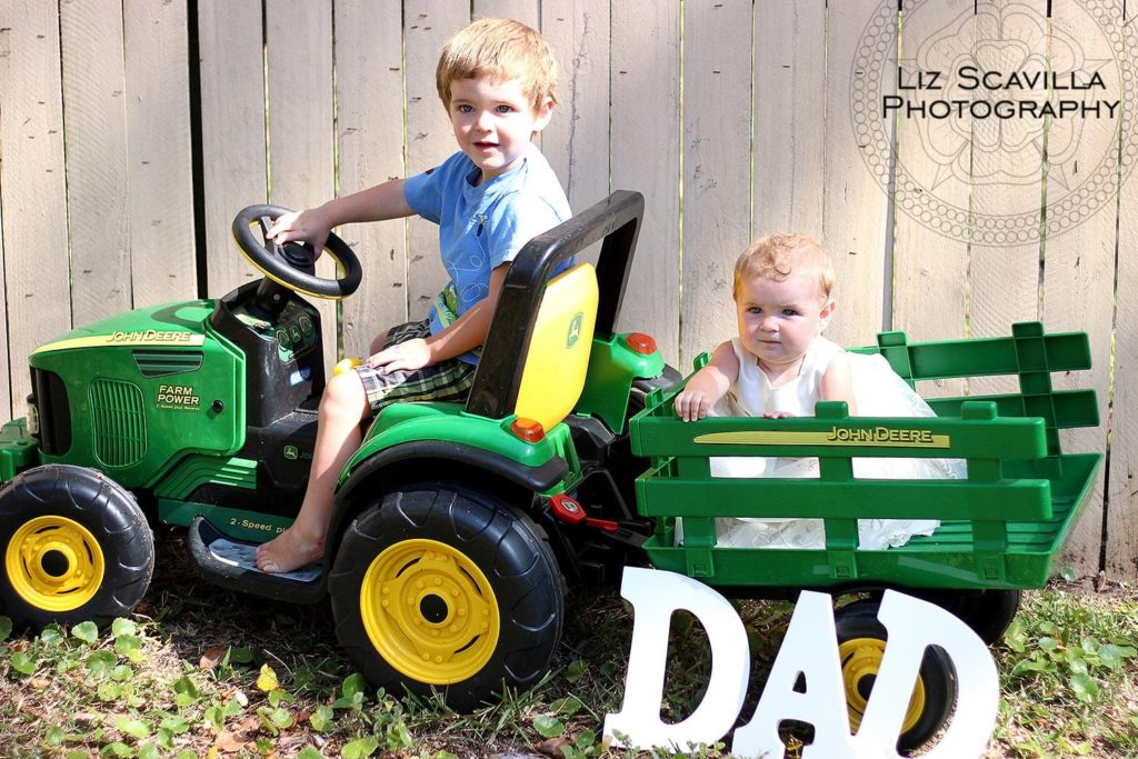 trailer-john-deer-tractor-fathers-day-photo-liz-scavilla-photography-nantucket-daytona-port-orange